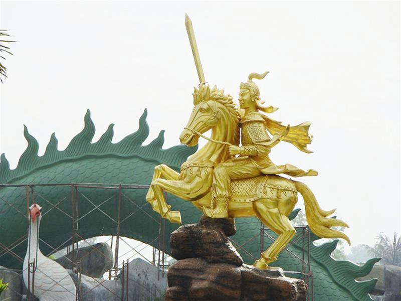 Tượng đài Lý Thường Kiệt tại khu Đại Nam Quốc tự (tỉnh Bình Dương)