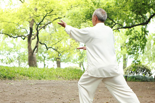 Thể dục dưỡng sinh có ích với người cao tuổi
